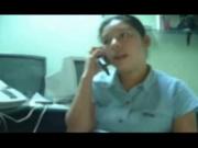 Infidelidad!! Mientras se la chupa a otro, habla por celular con su novio
